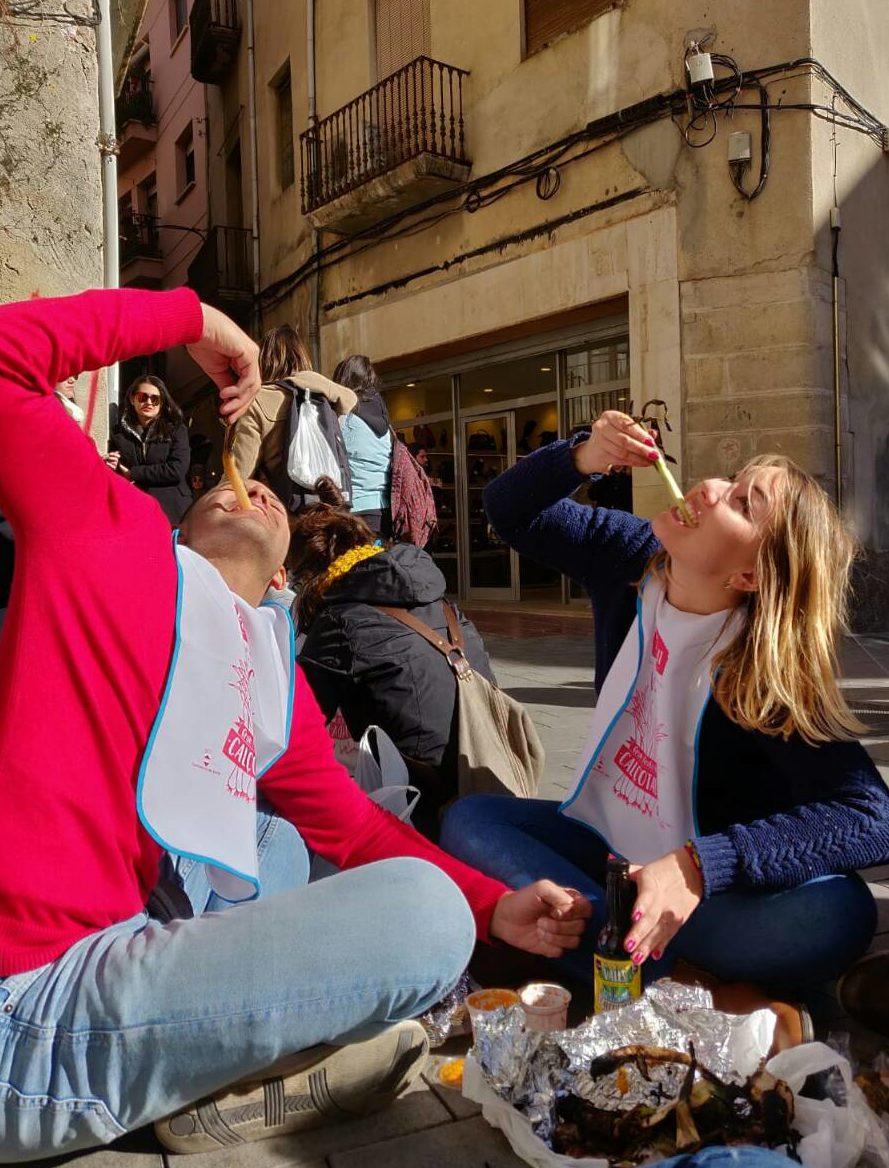 Wieże z ludzi, cebulowa uczta i doba bez snu. Tak się bawią w Katalonii, a ja... razem z nimi